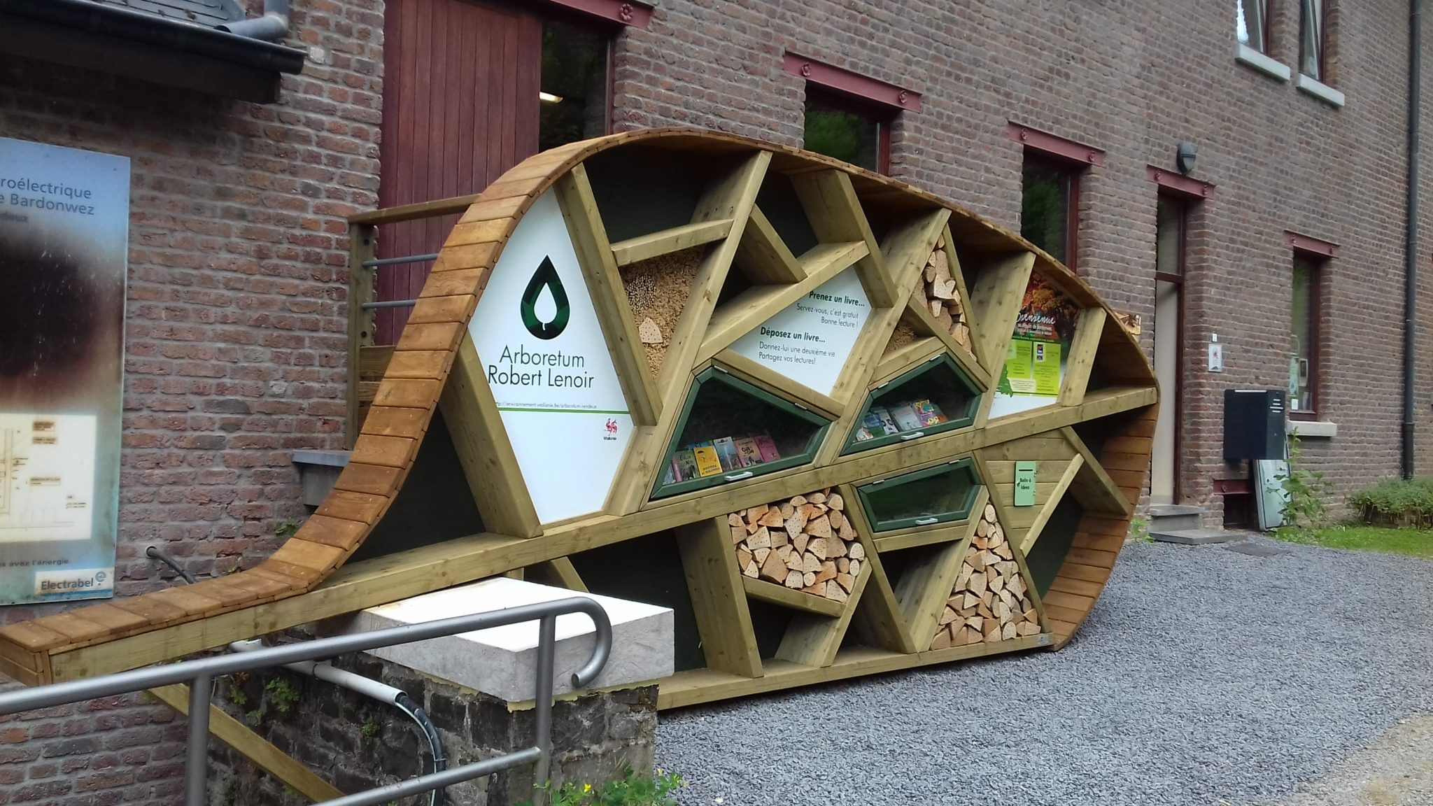 HPL urban furniture